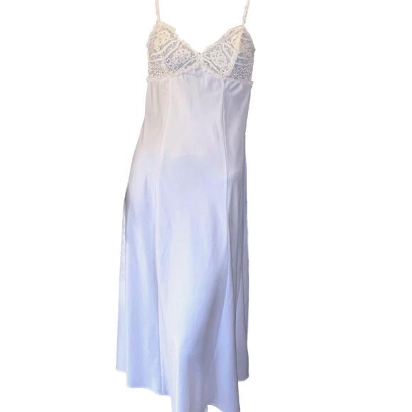 dbc9d7adc Flora Intimates & Sleepwear | White Sleeveless Long Negligee ...